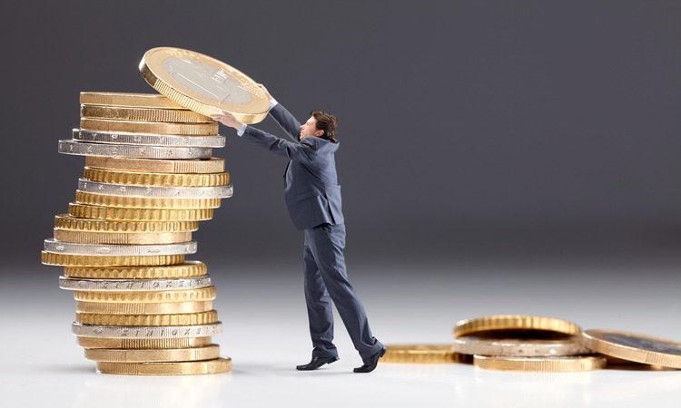 Удерживать ли налоги у самозанятого